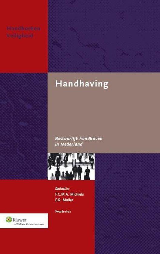 Boek cover Bestuurlijk handhaven in Nederland van  (Hardcover)