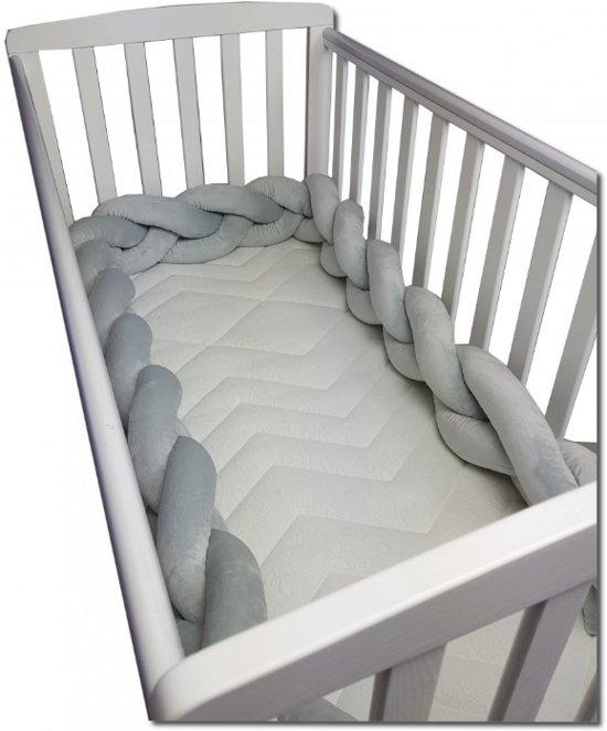Babybed bumper - 280 cm - grijs - stootrand ledikant - bedomrander - gevlochten minky - bed bescherming