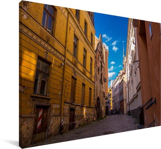 Fantastische straat met mooie kleuren in het Stadshart van Tallinn Canvas 60x40 cm - Foto print op Canvas schilderij (Wanddecoratie woonkamer / slaapkamer)