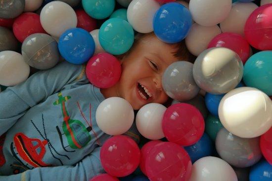 Zachte Jersey baby kinderen Ballenbak met 900 ballen, 120x120 cm - wit, grijs, turkoois
