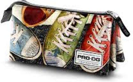 Etui PRO-DG Triple Sneakers