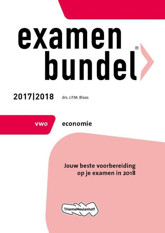 Boek cover Examenbundel vwo Economie 2017/2018 van J.P.M. Blaas (Paperback)