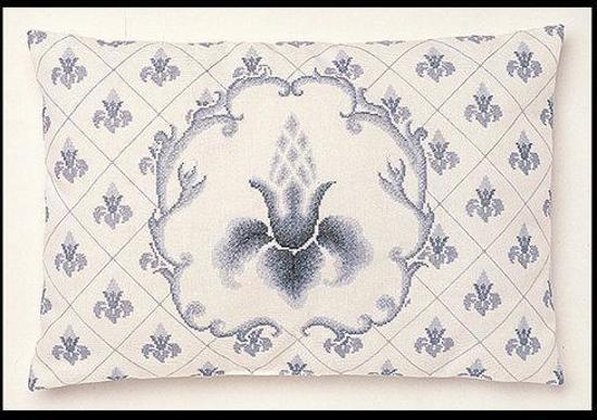 Thea Gouverneur Borduurpakket 2075 Kussen Fleur de lis - jobelan stof