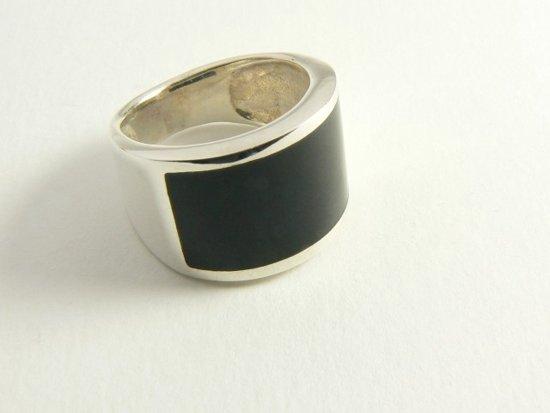 Zilveren ring met onyx - maat 18