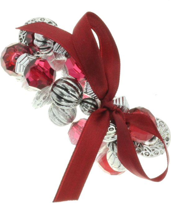Rood kralen armbandje met strik