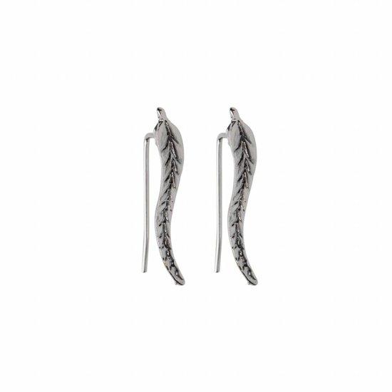 Trendy blad veer leaf oorknopjes oorbellen langs je oorlijn zilverkleurig in luxe geschenkdoos
