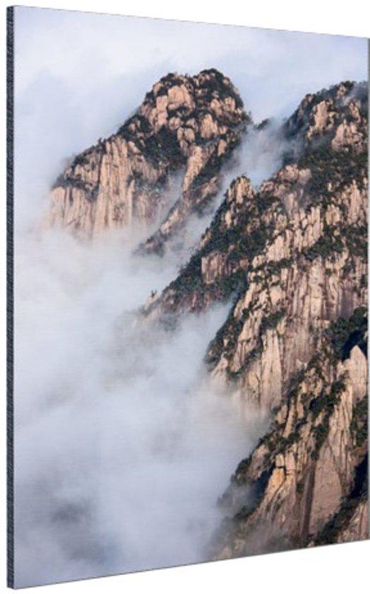 FotoCadeau.nl - Mist in de bergen Aluminium 60x90 cm - Foto print op Aluminium (metaal wanddecoratie)