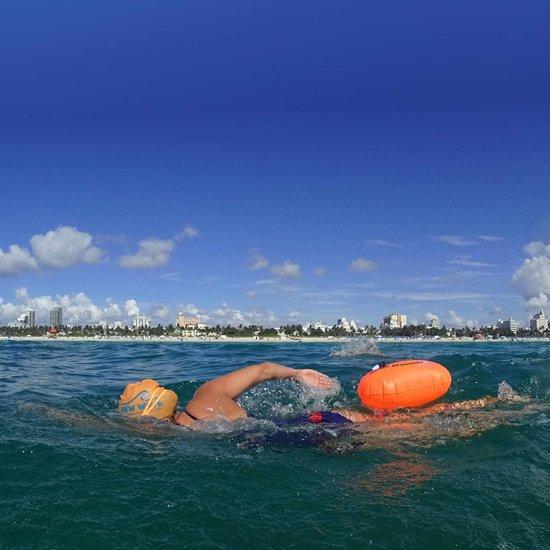 Premium Safe Swimmer Zwemboei voor Veilig Openwater en Triatlon Zwemmen   + GRATIS Waterdichte Smartphone Hoes   Veilig zwemmen   Duurzaam   Zwem    Vlotter   Drijver   Dobber   Hoge kwaliteit van Dapoda Outdoor