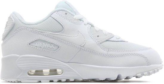 witte nike schoenen maat 35