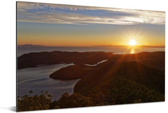 Zonsondergang bij het Nationaal park Mljet in Kroatië Aluminium 60x40 cm - Foto print op Aluminium (metaal wanddecoratie)