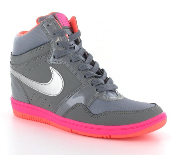 dd809e81d26 bol.com | Nike Nike Force Sky High - Sportschoenen - Dames - Maat ...