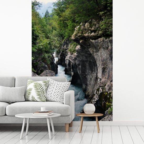 Fotobehang vinyl - Soca-rivier in het Nationaal Park Triglav in Slovenië breedte 155 cm x hoogte 240 cm - Foto print op behang (in 7 formaten beschikbaar)