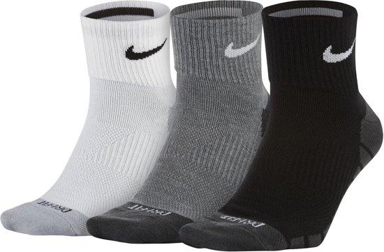 Nike Dry Lightweight Quarter Enkelsokken  Hardloopsokken - Maat 34-38 - Unisex - zwart/grijs/wit