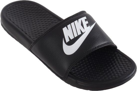 Jdi Unisex Benassi Maat Slippers wit 42 Zwart Nike t5SWqxPn5