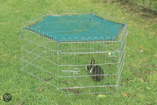Afdeknet ten behoeve van de metalen konijnenren. Groen.