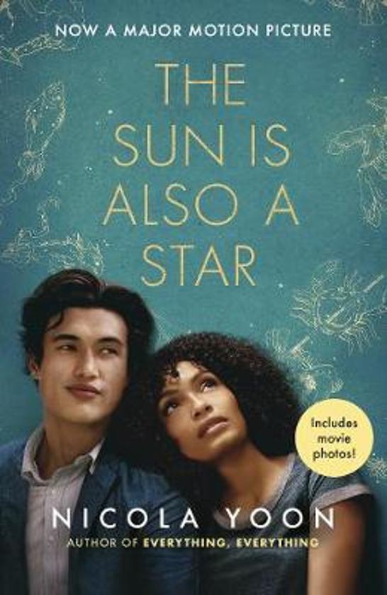 Boek cover The Sun is also a Star van Nicola Yoon (Paperback)