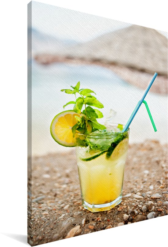 Gele mojito cocktail op het strand Canvas 90x140 cm - Foto print op Canvas schilderij (Wanddecoratie woonkamer / slaapkamer)