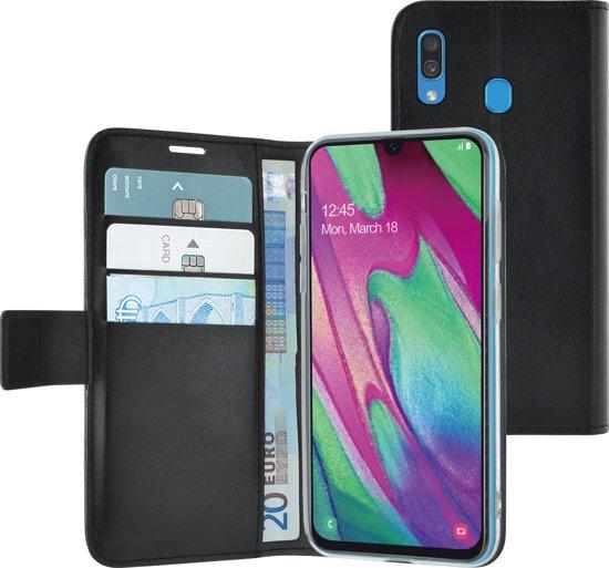 Azuri walletcase - magnetic closure & 3 cardslots - zwart - Samsung A40