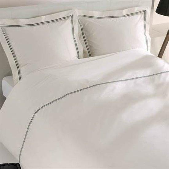 Snoozing Cannes dekbedovertrek Off-white 2-persoons (200x200/220 cm + 2 slopen)