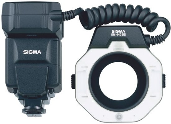 Sigma Em-140 Dg Macroflitser Nikon in Boerenhol