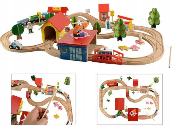 Station Op Wielen Houten.Bol Com Luxe Houten Treinbaan Set Trein Spoorbaan Met Treinrails