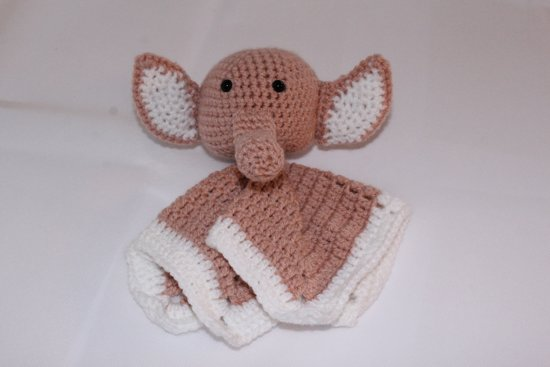 Tutpoppetje olifant, met de hand gemaakt