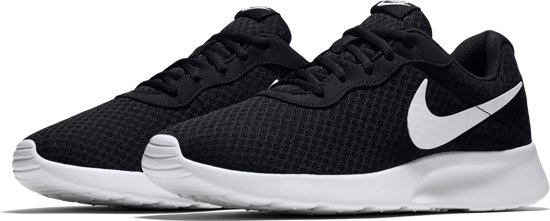 Nike Tanjun Sneakers Heren - Black/White