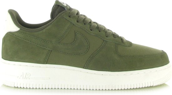 buy popular 52a81 f8725 Nike Air Force 1 07 Suede Groen - 41