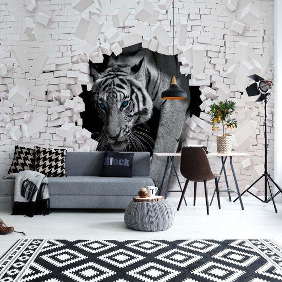 Fotobehang Tiger 3D Hole In Brick Wall | VEXXL - 312cm x 219cm | 130gr/m2 Vlies