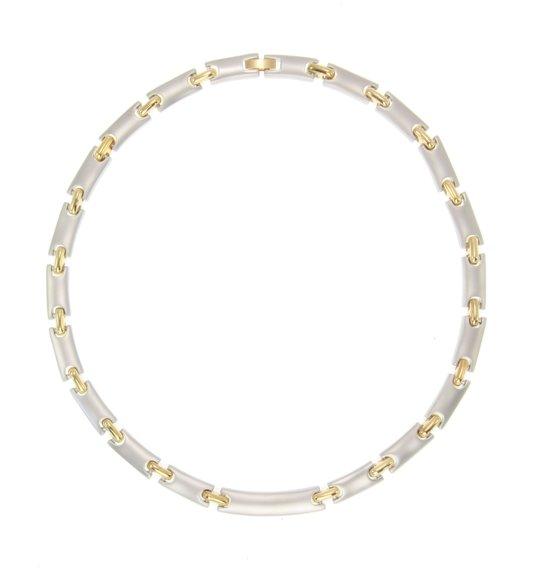 Klassieke korte ketting mat zilverkleurig en glanzend goudkleurig