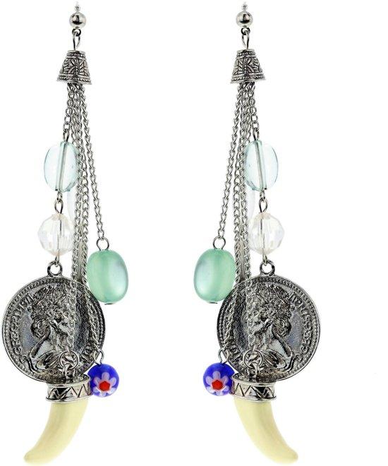 Oorbellen zilver-kleur met blauwe hangers en tand