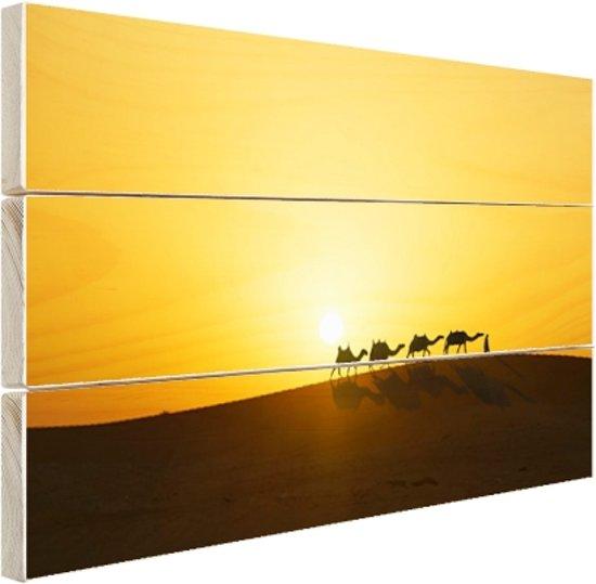 Kamelenkaravaan bij zonsondergang Hout 120x80 cm - Foto print op Hout (Wanddecoratie)