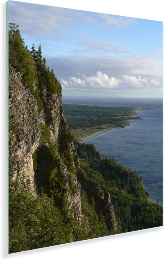Groene bergen in het Nationaal park Forillon in Canada Plexiglas 120x160 cm - Foto print op Glas (Plexiglas wanddecoratie) XXL / Groot formaat!