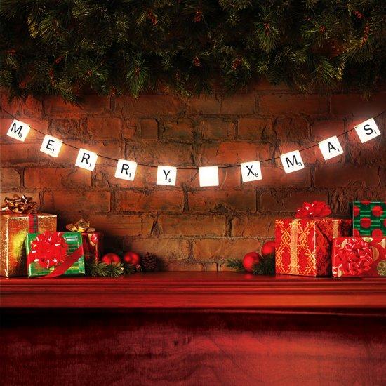 Met deze Scrabble Lichten creëer je op een super leuke en originele manier een persoonlijke boodschap aan de muur!