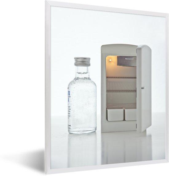 Foto in lijst - Kleine wafels en minikoelkast en een glaasje wodka fotolijst wit 30x40 cm - Poster in lijst (Wanddecoratie woonkamer / slaapkamer)