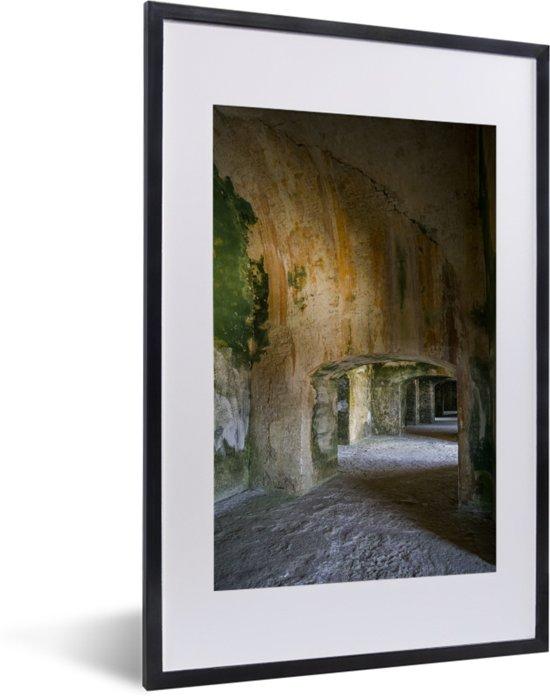 Foto in lijst - Prachtige gangen in het Citadelle Laferrière fotolijst zwart met witte passe-partout 40x60 cm - Poster in lijst (Wanddecoratie woonkamer / slaapkamer)