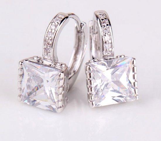 Victoria - Zilverkleurige Oorbellen - Australisch Bergkristal - Zirkonia Kristallen
