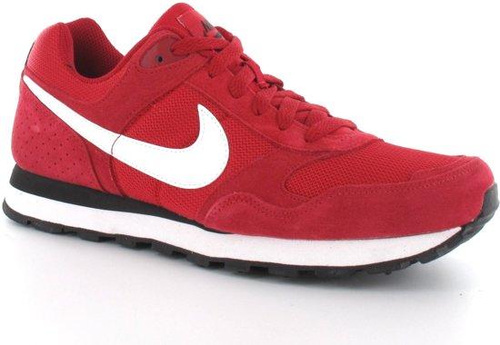 bbc1a03ae17 bol.com | Nike MD Runner Suede - Sportschoenen - Heren - Maat 42 - Rood