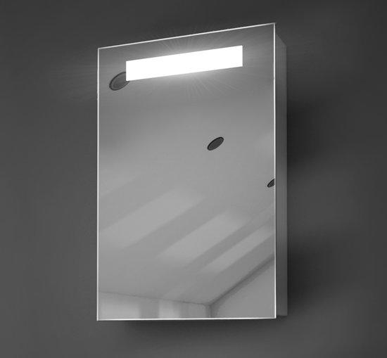bol.com | Verwarmd 40x60 cm spiegelkastje met verlichting en stopcontact