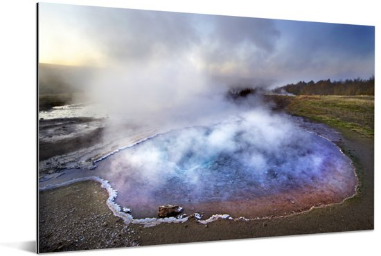 Kleurrijk water bij de Geysir in Ijsland Aluminium 90x60 cm - Foto print op Aluminium (metaal wanddecoratie)
