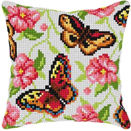 kruissteekkussen 99001 vlinders met bloemen