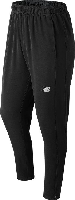 New Balance Core Woven Track Pant Trainingsbroek Heren - Black