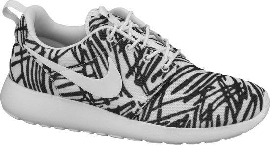 Nike Chaussures De Sport - Roshe Une Taille 37.5 - Femmes - Blanc / Noir wzvwxcqH0