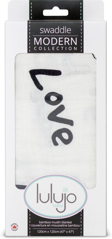 Lulujo Swaddle bamboo 120x120 - Love Multidoek met love print 120x120