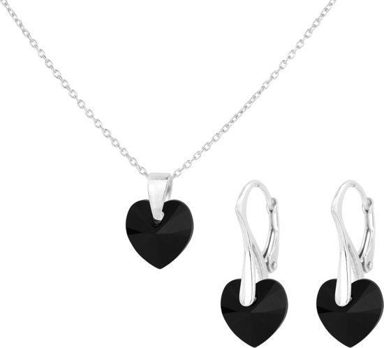 zilveren ketting en oorbellen