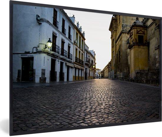 Foto in lijst - Het oude centrum van het Spaanse Córdoba in Andalusië fotolijst zwart 60x40 cm - Poster in lijst (Wanddecoratie woonkamer / slaapkamer)