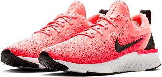 Nike Odyssey React Hardloopschoenen Dames Sportschoenen - Maat 40 - Vrouwen  - roze/wit/zwart