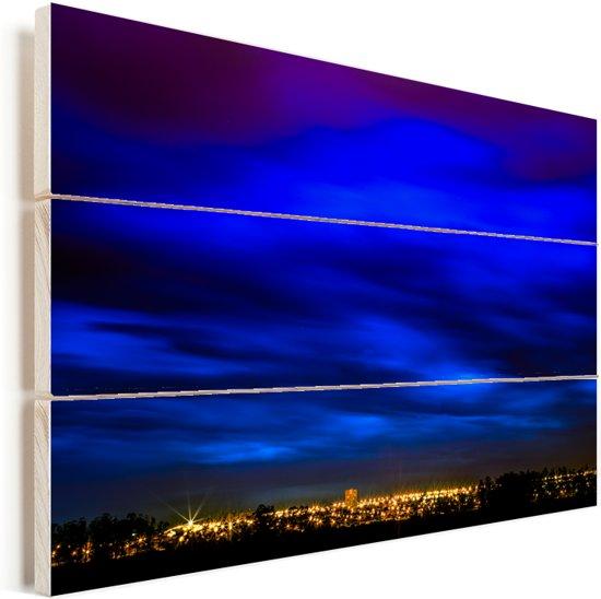 Wolken boven Brasilia in Zuid-Amerika Vurenhout met planken 60x40 cm - Foto print op Hout (Wanddecoratie)