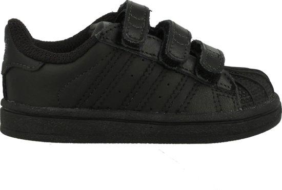 zwarte adidas sneakers superstar cf