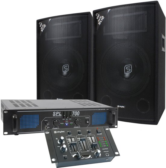 DJ set. Luidspreker, versterker en mengpaneel combinatie 700W